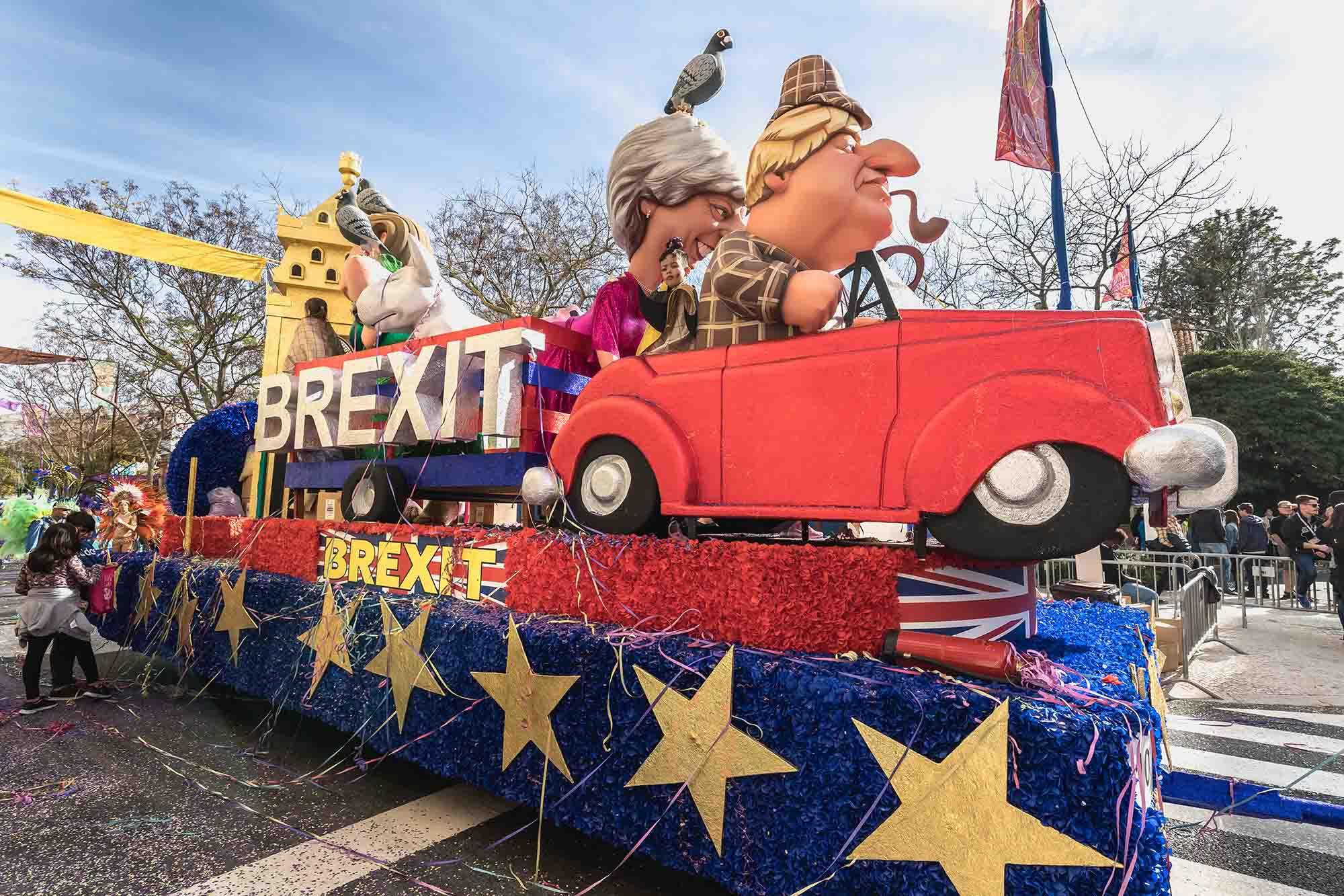 brexit float at loule carnaval