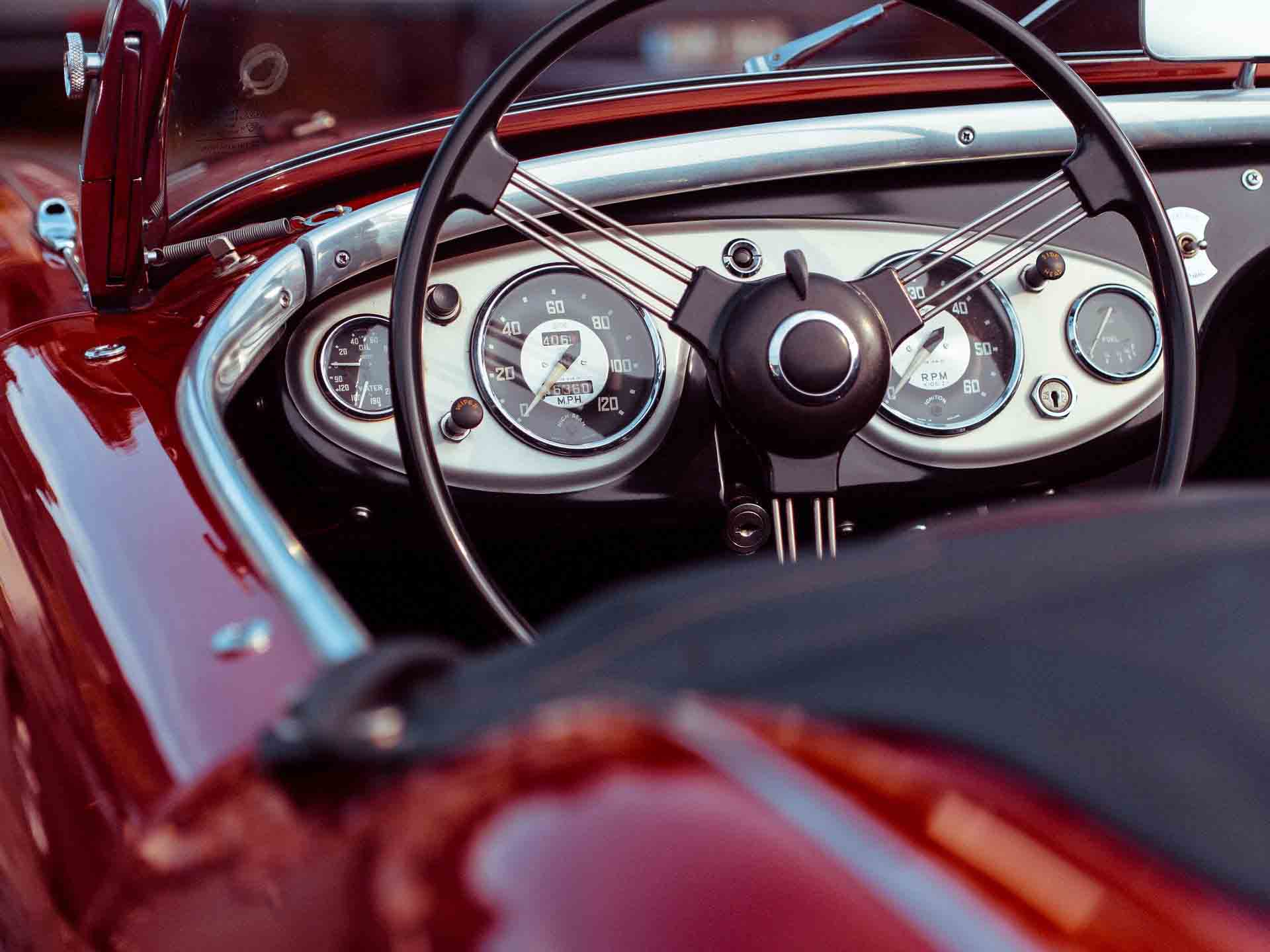 Classic-car-dashboard