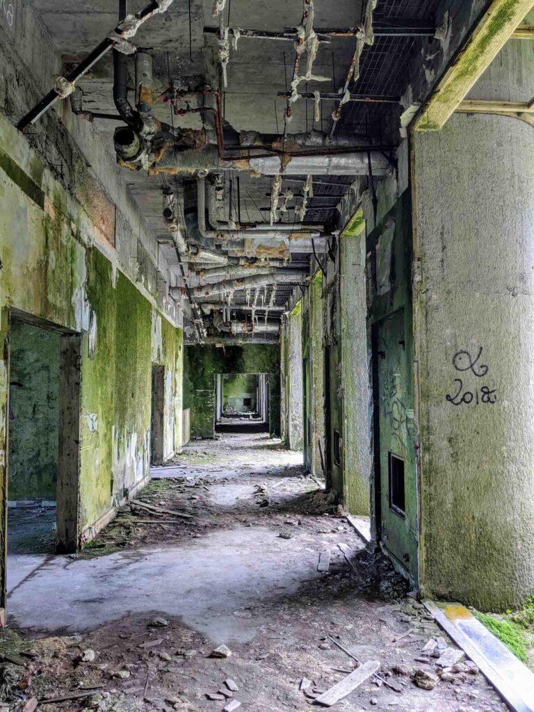 Hotel Monte Palace corridor