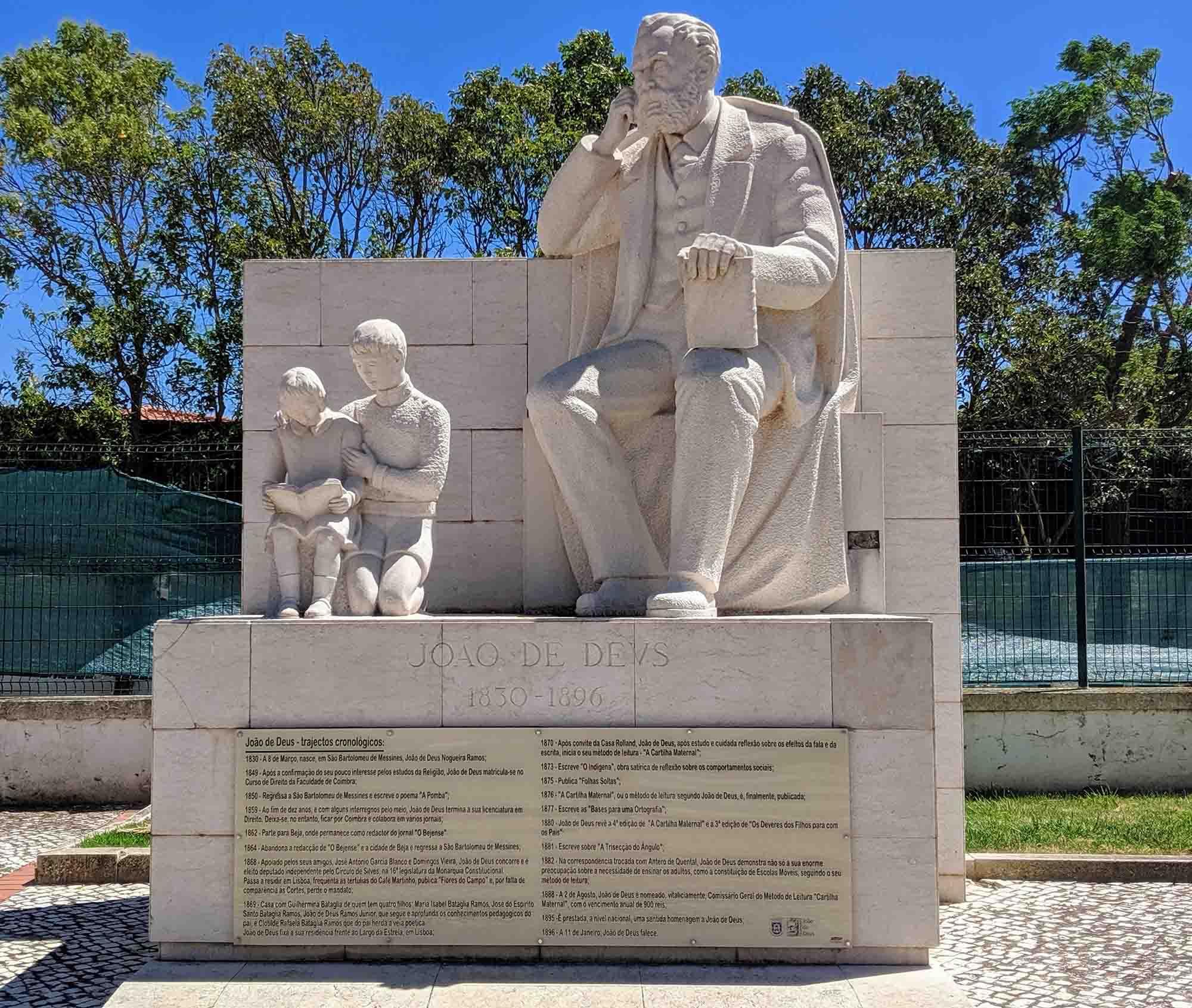 Joao de Deus monument Messines