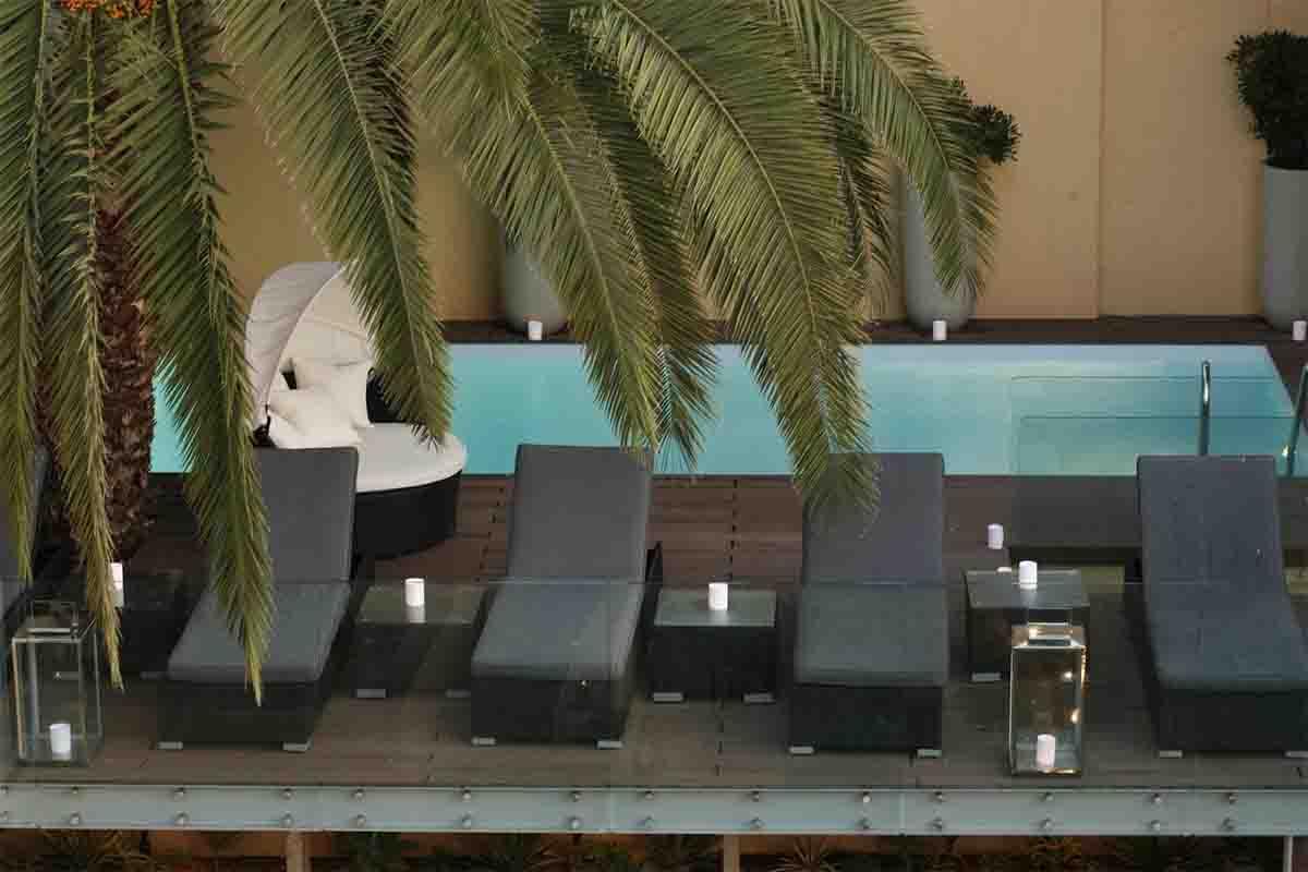 Palacio Ramalhete pool