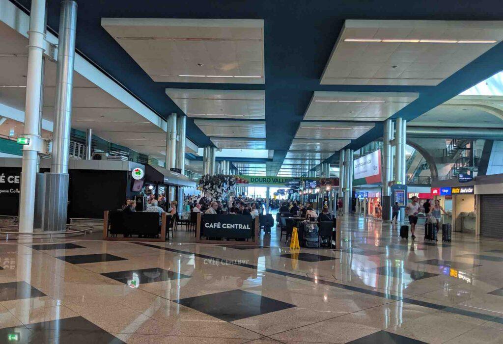 Porto Airport - Cafe