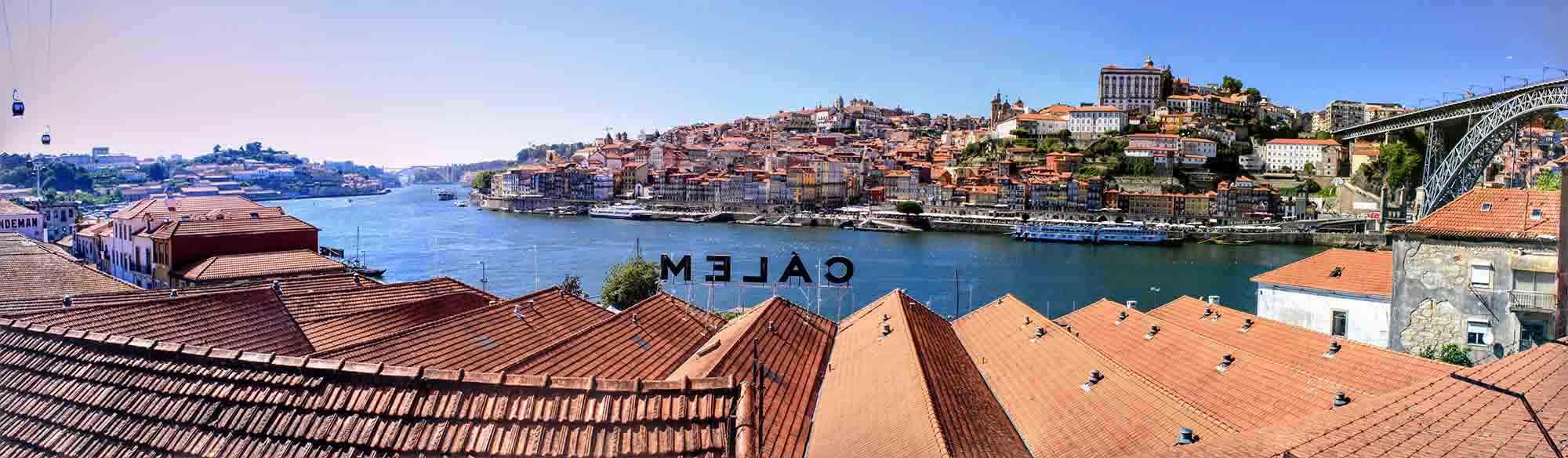 Panoramic shot of Porto from vila nova de gaia