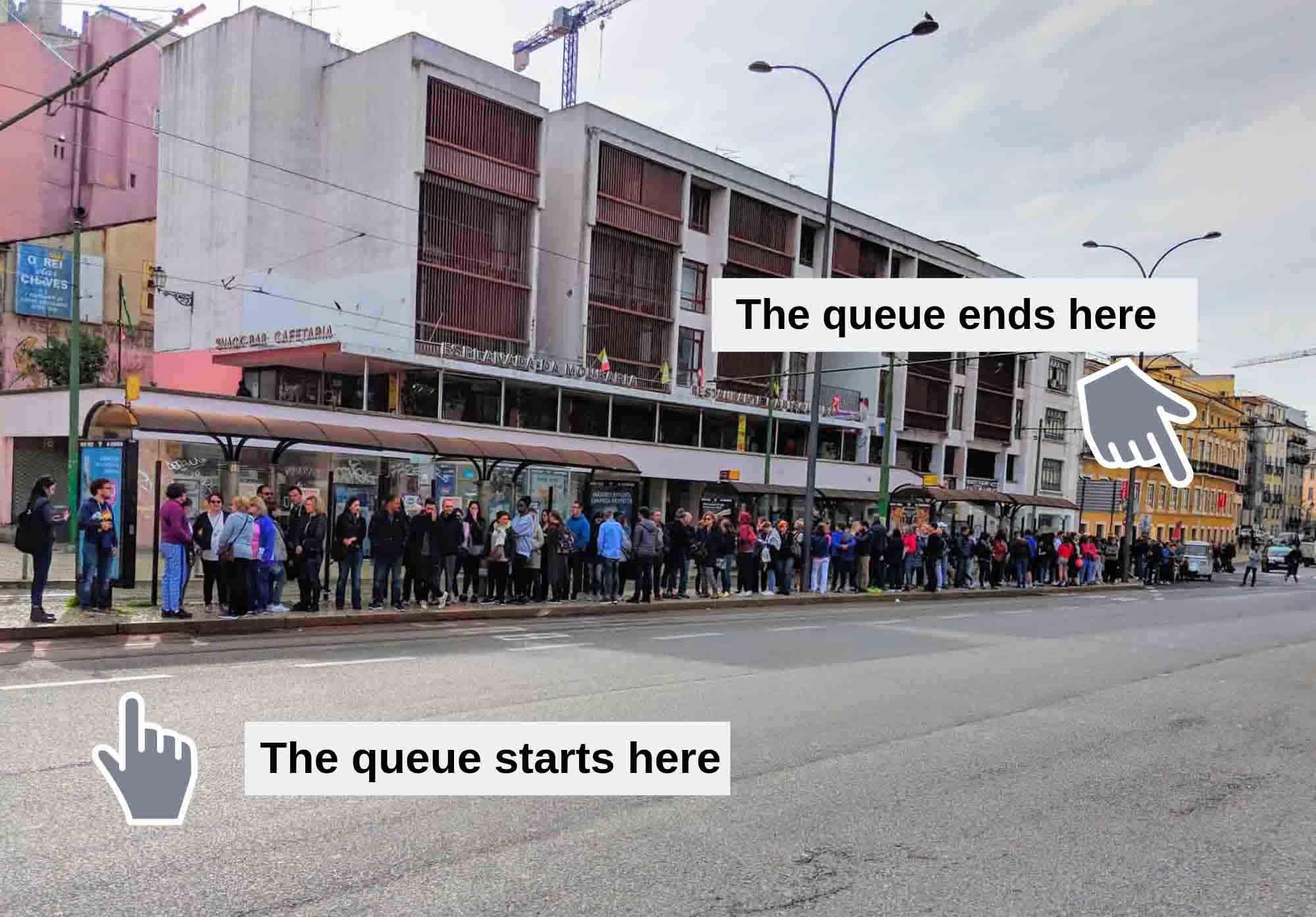 Tram 28 - the queues