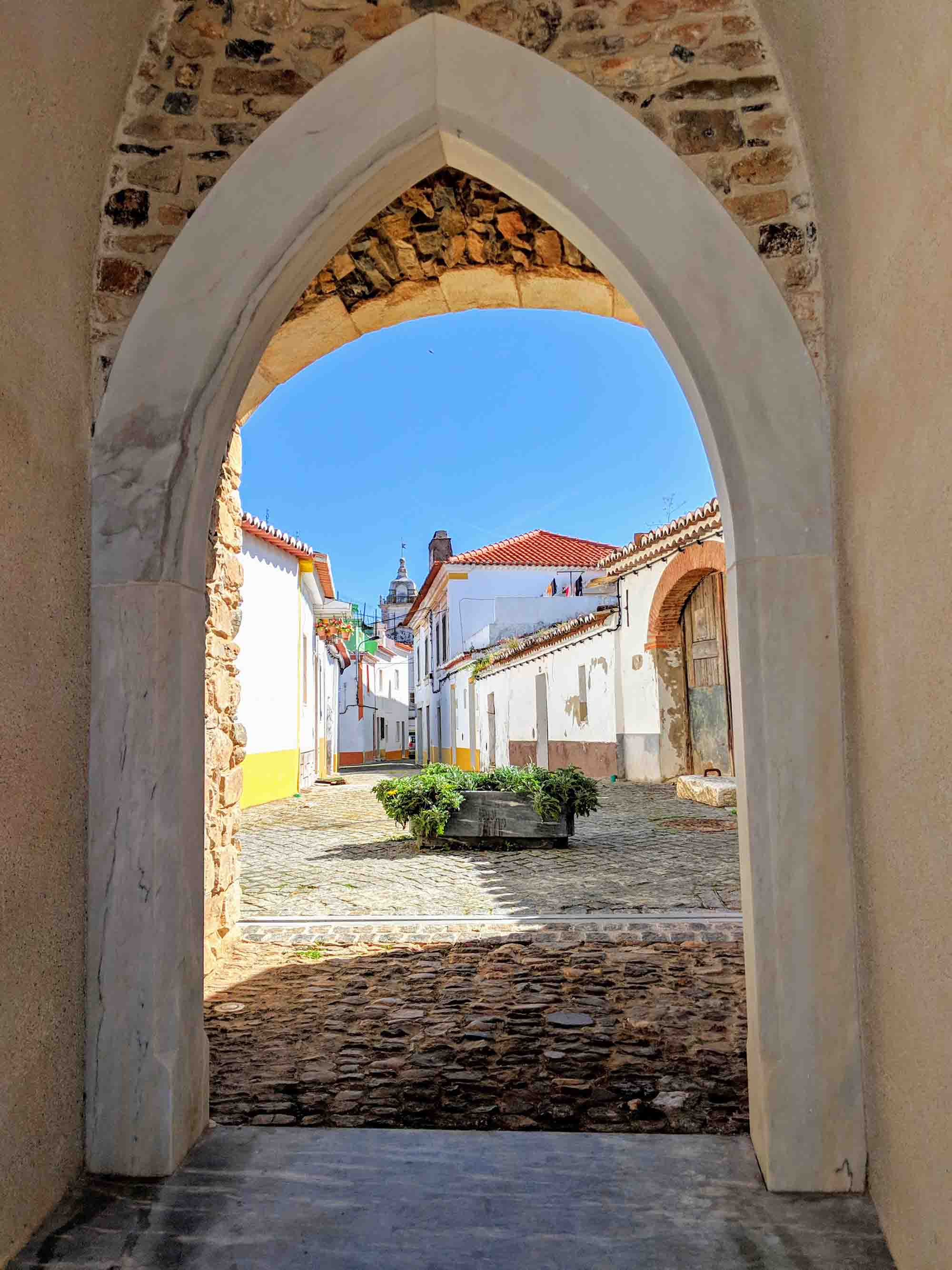 archway in Borba