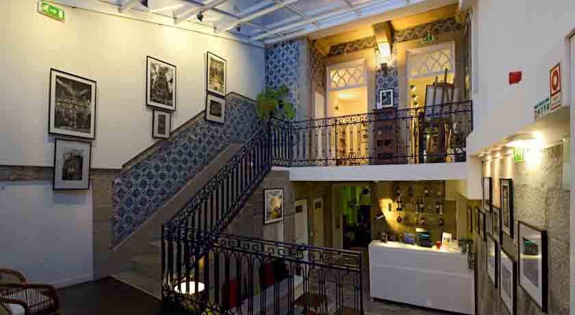 gallery-hostel-porto-main