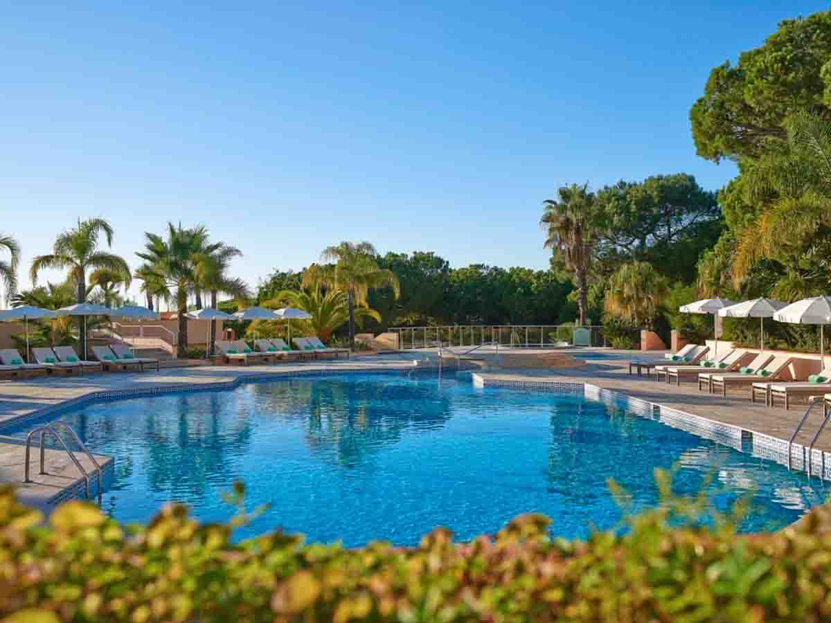pool at hotel quinta do lago