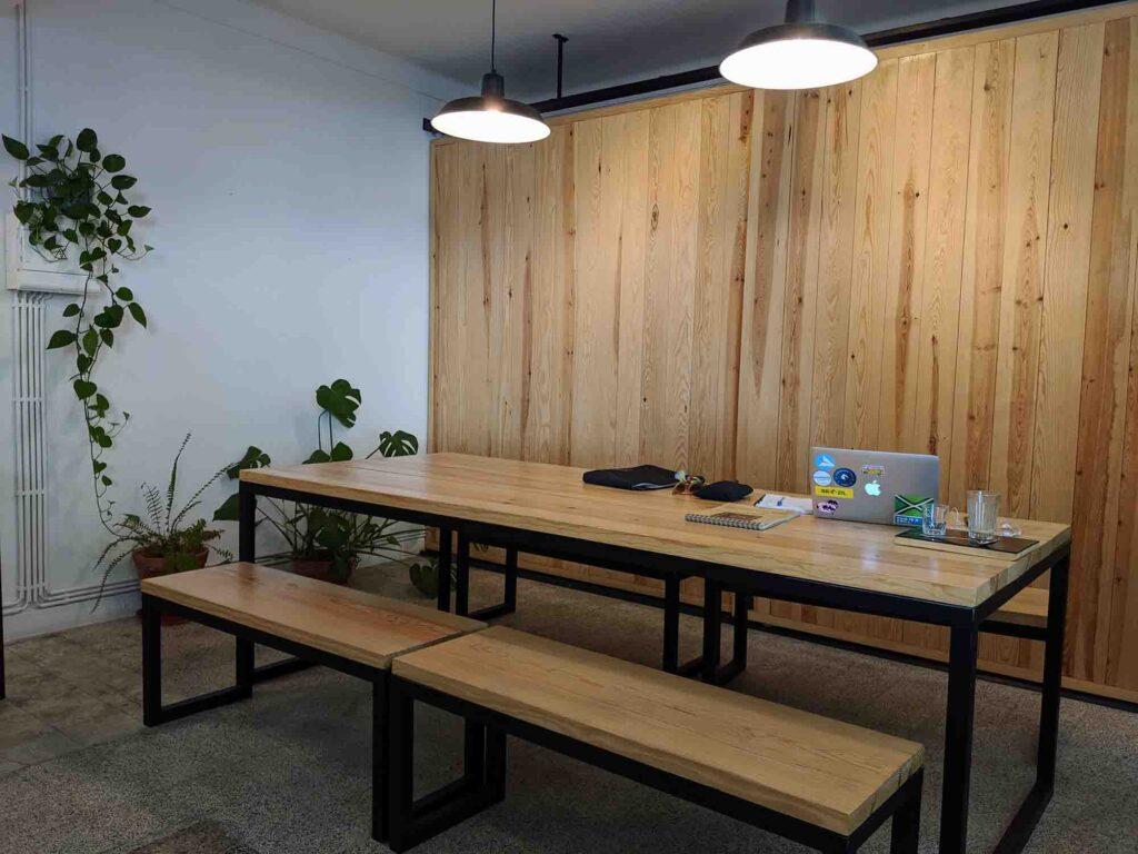 selva cafe bench